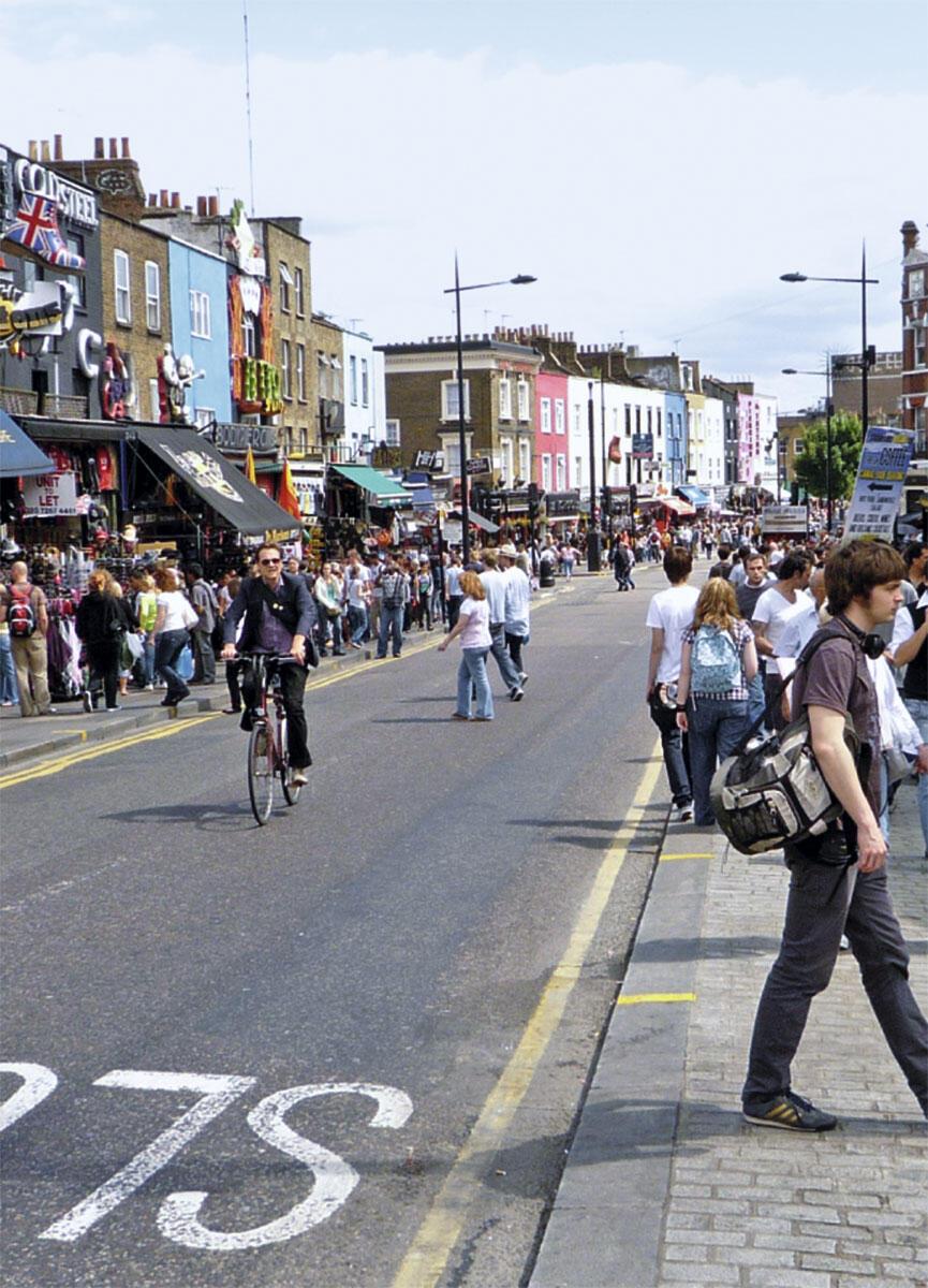 Niedrige Bauhöhe und hohe Interkaktionsdichte: die Highstreet in Londons Stadtteil Camden.