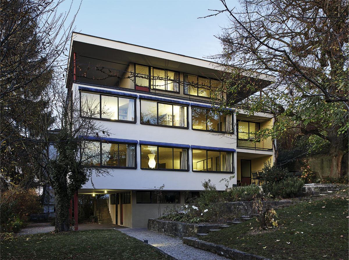 Fünf Punkte für Riehen: Pilotis, Dachterrasse, Bandfenster, freie Fassade und freier Grundriss machten den Stahlbau im Haus Huber von Paul Artaria und Hans Schmidt zum Zeugen einer sachlichen Moderne.