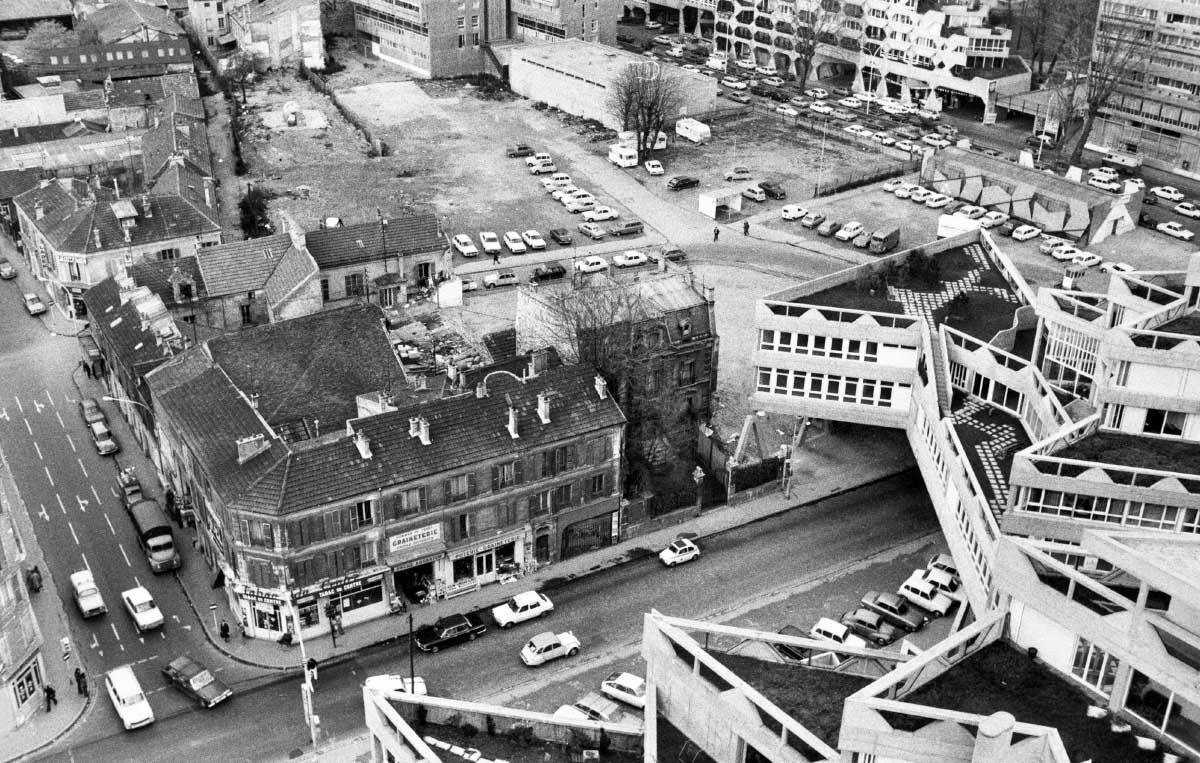 1976 waren die Hoffnungen auf ein Kulturzentrum am Finger der Siedlung Jeanne Hachette noch intakt.  Bild: Archiv Ivry