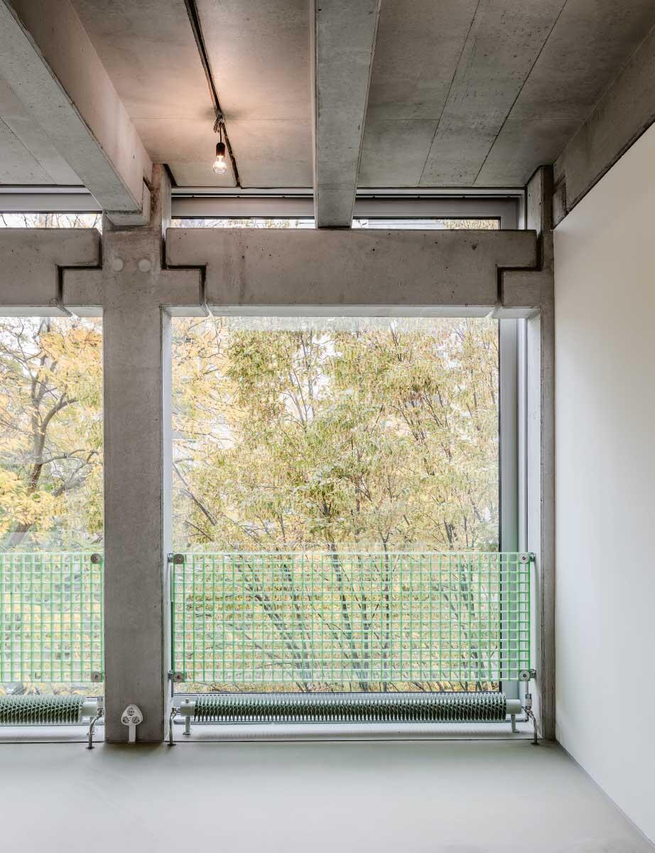 Der Weg vom System zum wiederverwendbaren Baukasten ist noch weit. Vielfach nutzbares «Wohnregal» von FAR Frohn & Rojas, Berlin.  Bild: David von Becker
