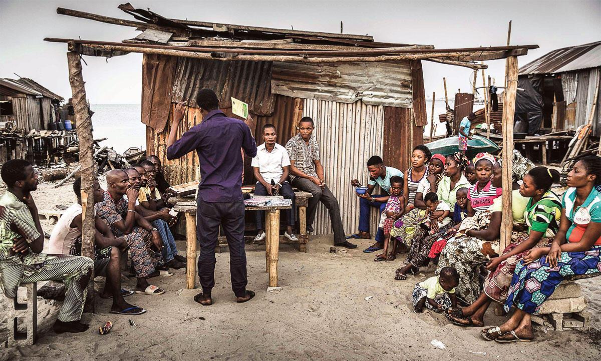 Fabulous Urban arbeitet zusammen mit JEI an der Implementierung von Infrastrukturhubs: Treffen der Nigerian Slum / Informal Settlement Federation, die in Lagos aktiv ist.