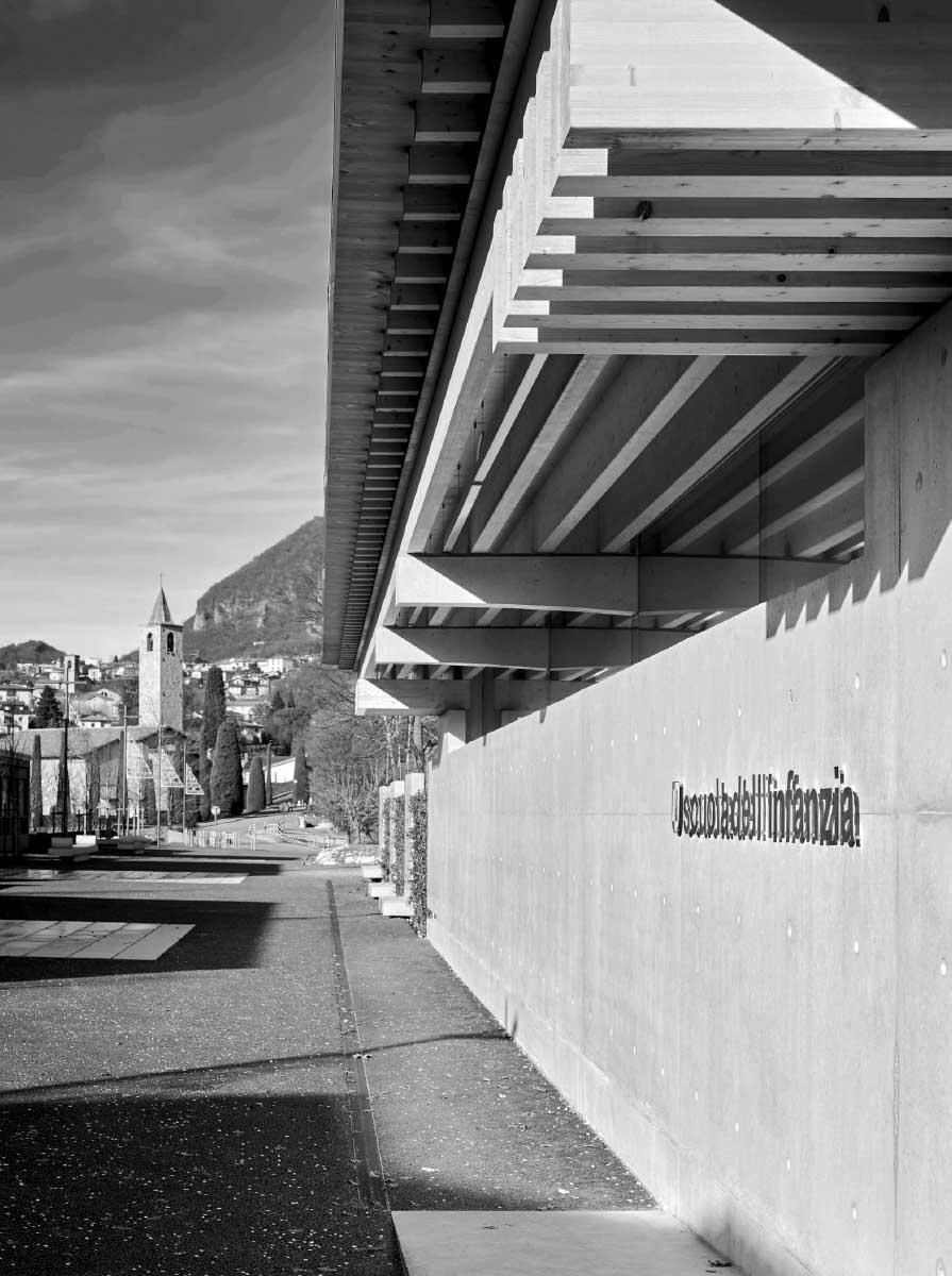 La strada, il muro e il tetto s'integrano sensibilmente l\\\\\\'asilo con il paesaggio. Bild: Marcelo Vilada