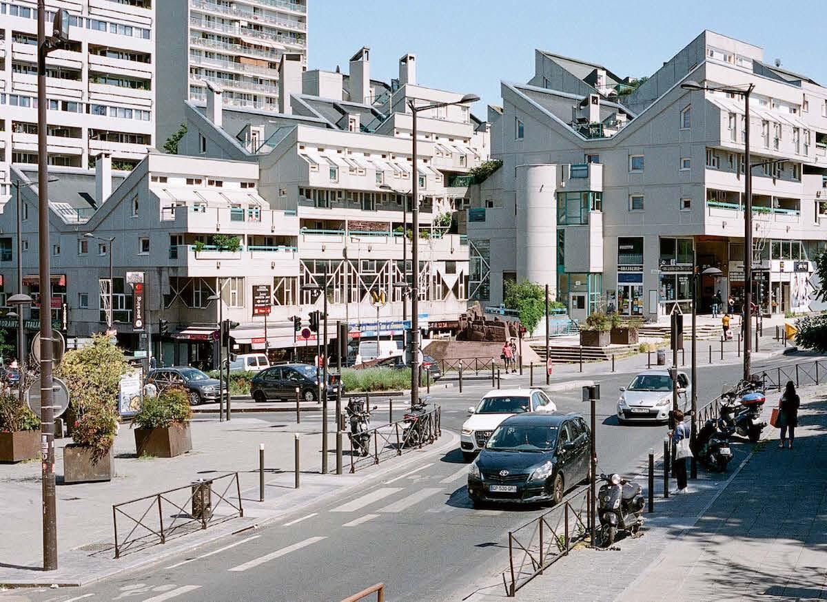 Die 1971 von Gailhoustet entworfene Siedlung Marat zeigt die neue Stadtidee: Gestapelte Duplexwohnungen bilden einen eigenen Strassenraum. Bild: Giaime Meloni