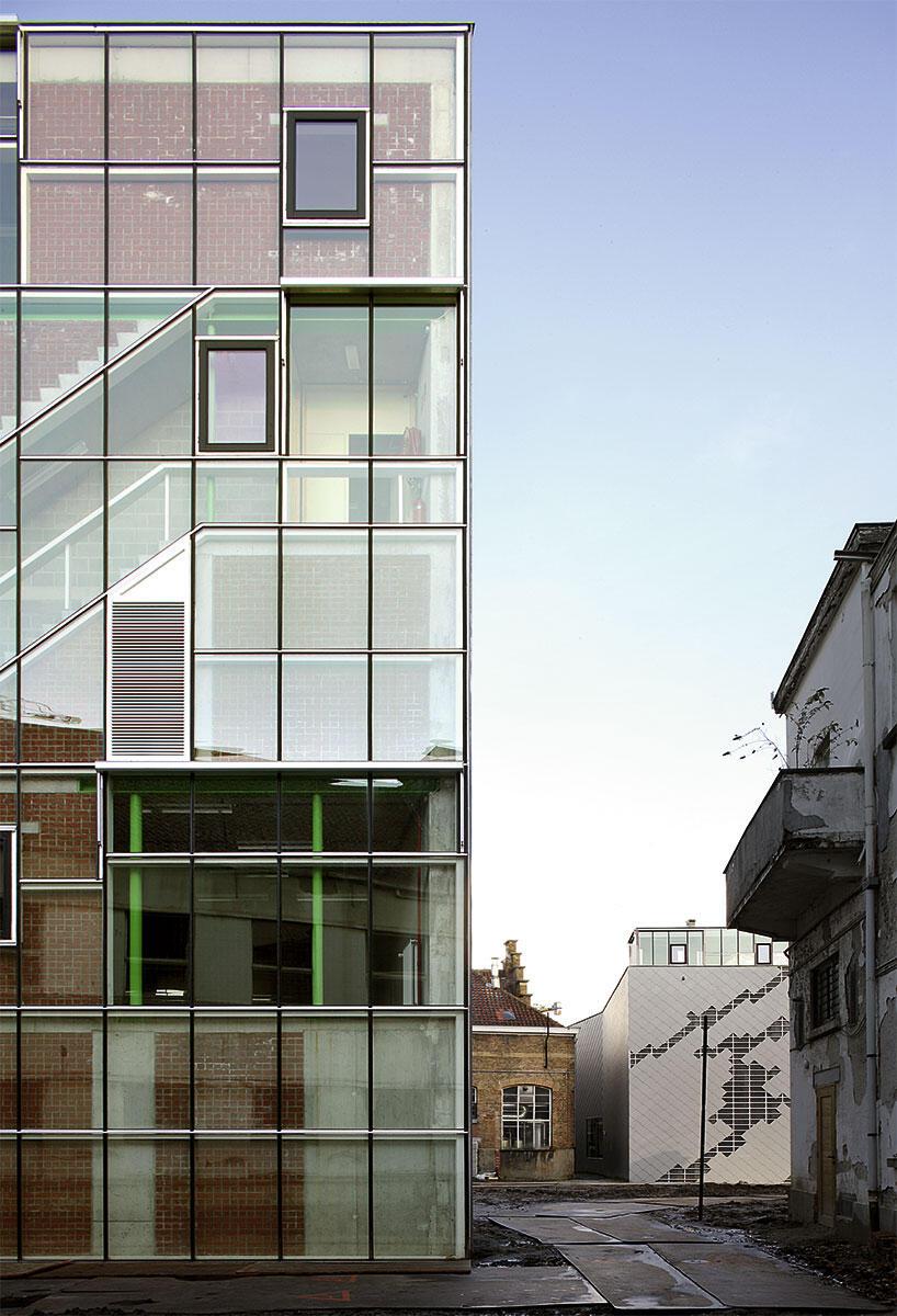 Produktionsstudios LOD (vorne) und Les Balletts C de la B in Gent