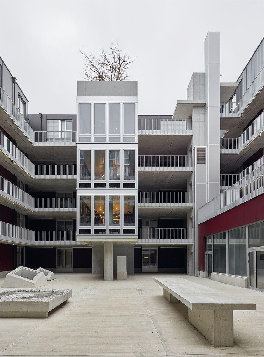 «Turm» mit gemeinschaftlichen Nutzungen, Teil einer dezidiert architektonischen Komposition. Bild: Roland Bernath