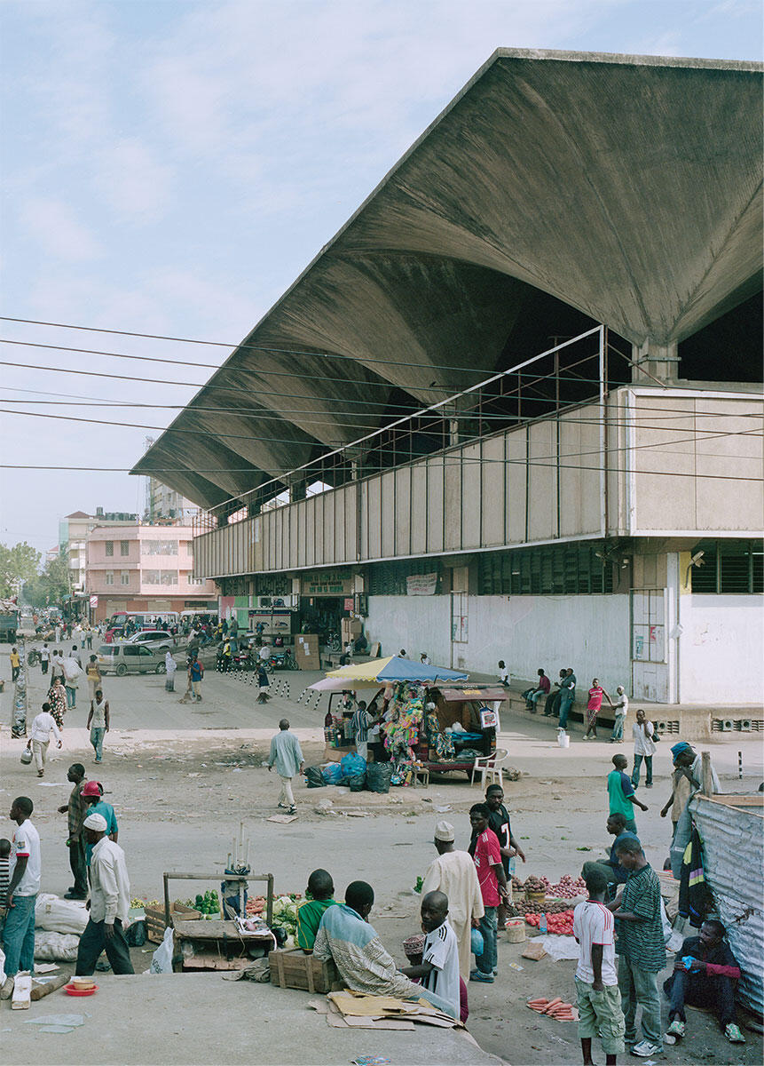 Ikone der afrikanischen Moderne: Der Kariakoo Market in Daressalam, erbaut 1972 – 74 von Beda J. Amuli.
