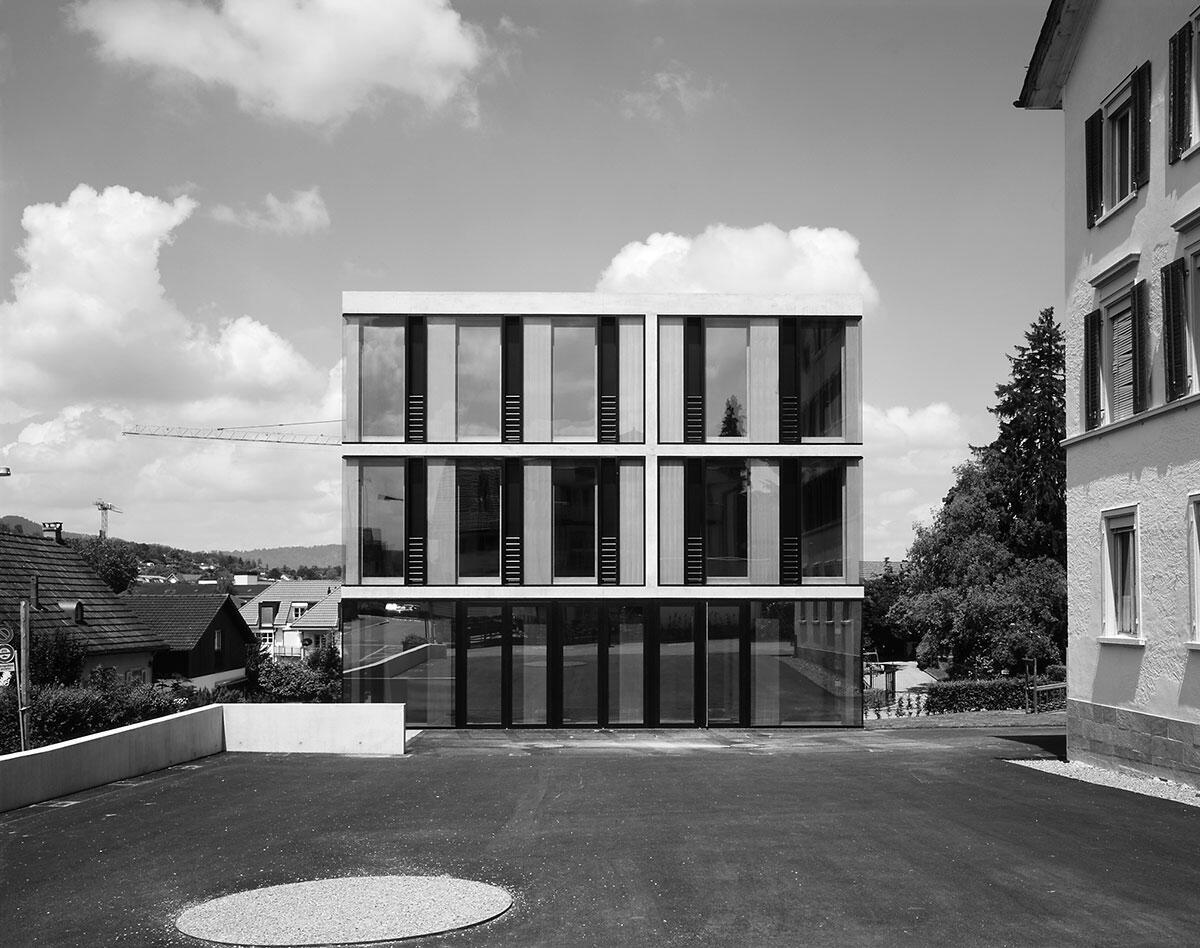 Ansicht Neubau: Schulhaus Oelwiese in Thalwil von Bünzli & Courvoisier Architekten