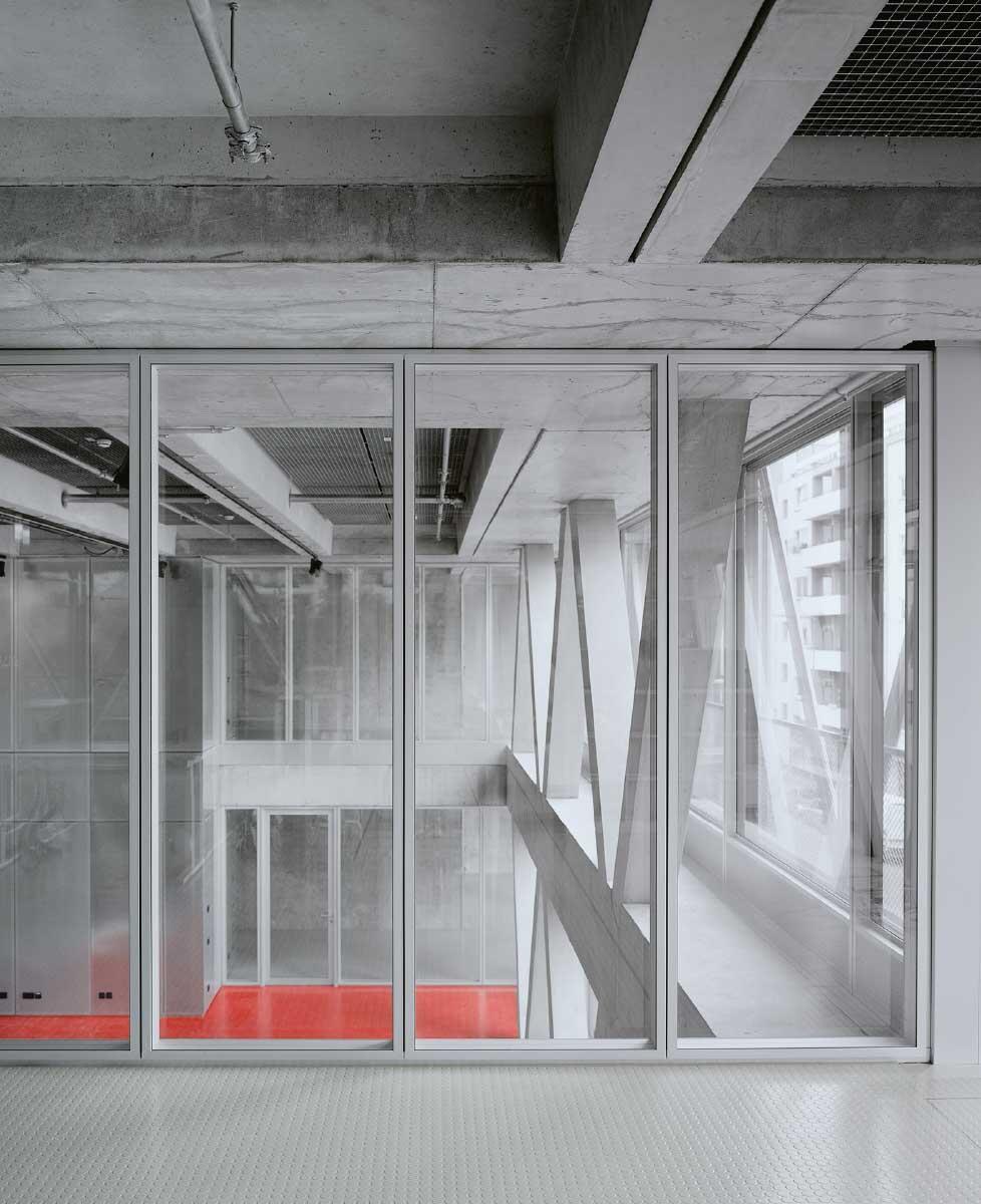 Hier erkennt man den zweigeschossigen Sitzungssaal der Redaktion. Bilder: Rasmus Norlander