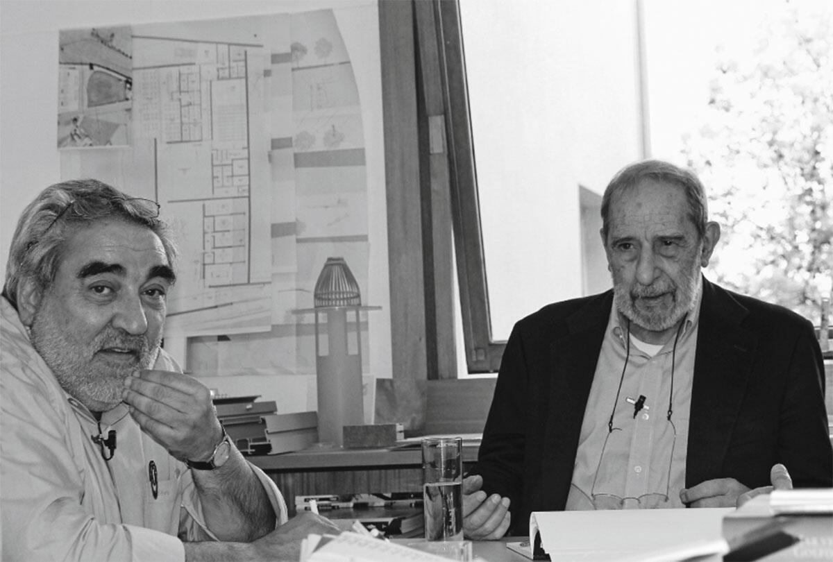 Eduardo Souta de Moura (links) und Alvaro Siza Vieira im Gespräch.