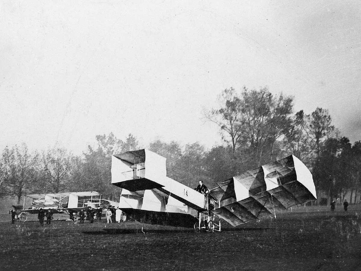 Typ 14-bis des brasilianischen Flugpioniers Alberto Santos-Dumont, 1906. Bild: Wikipedia