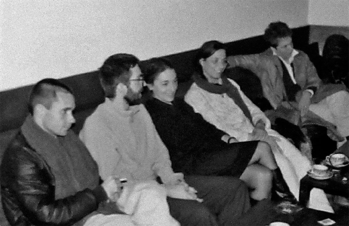 Flora Ruchat-Roncati mit den Assistenten Guido Honegger, Dieter Geissbühler, Laurie Hunziker, Renato Salvi und Petra Stojanik auf der Seminarreise nach Porto und Lissabon, 1986. Bild: Archivio del Moderno