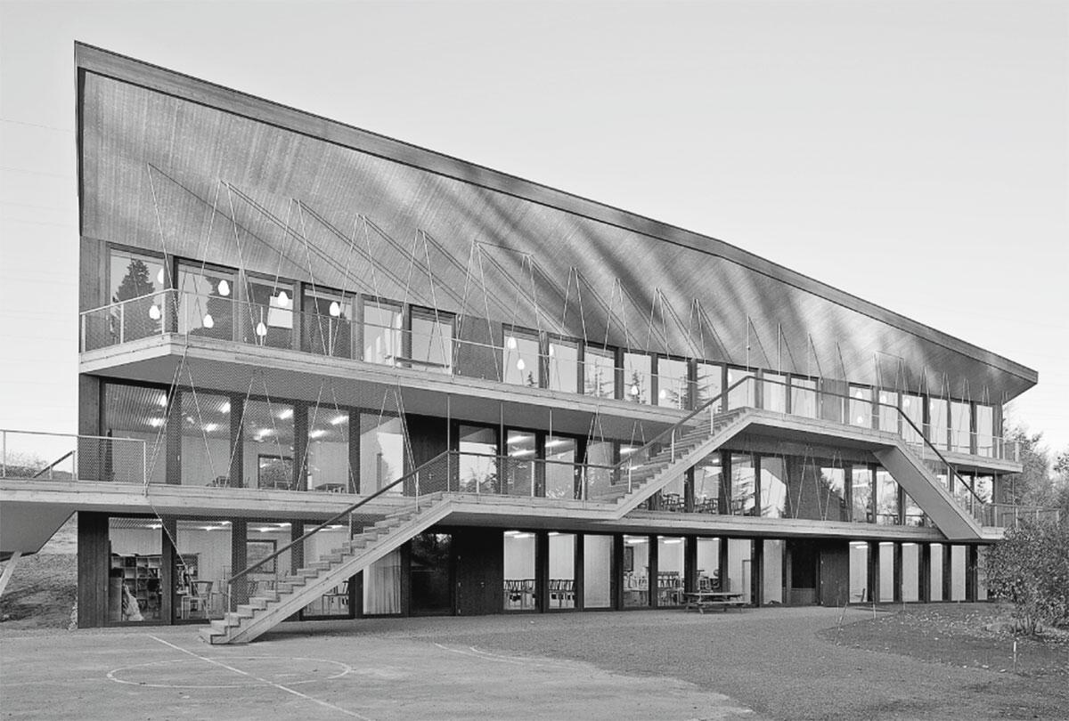 Ecole Steiner in Crissier von Localarchitecture, Lausanne: Ansicht der Südfassade.