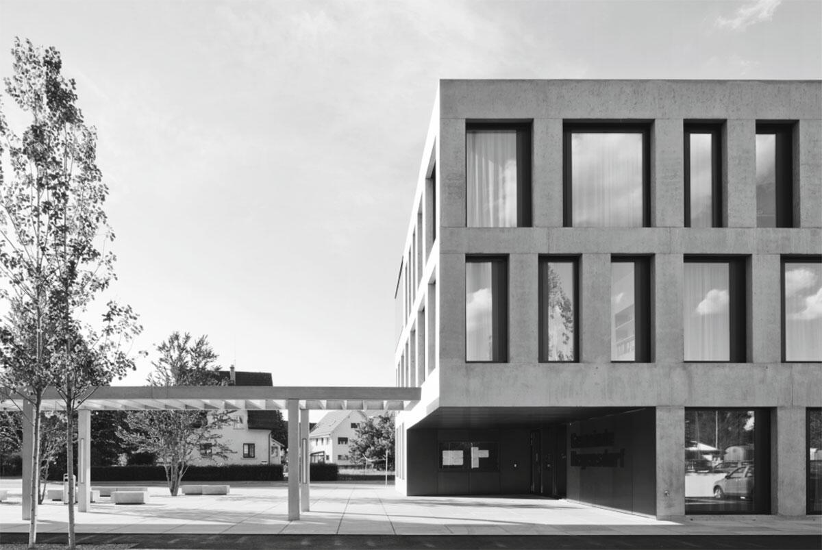 Erweiterungsbau Gemeindehaus, Regensdorf von ARGE phalt Architekten und Jaeger Baumanagement, Zürich