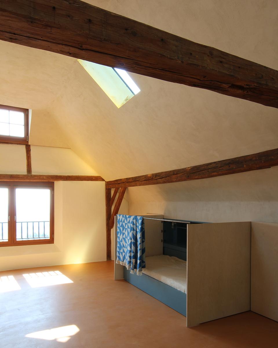 Dachraum mit ausgezogenem Gästezimmer