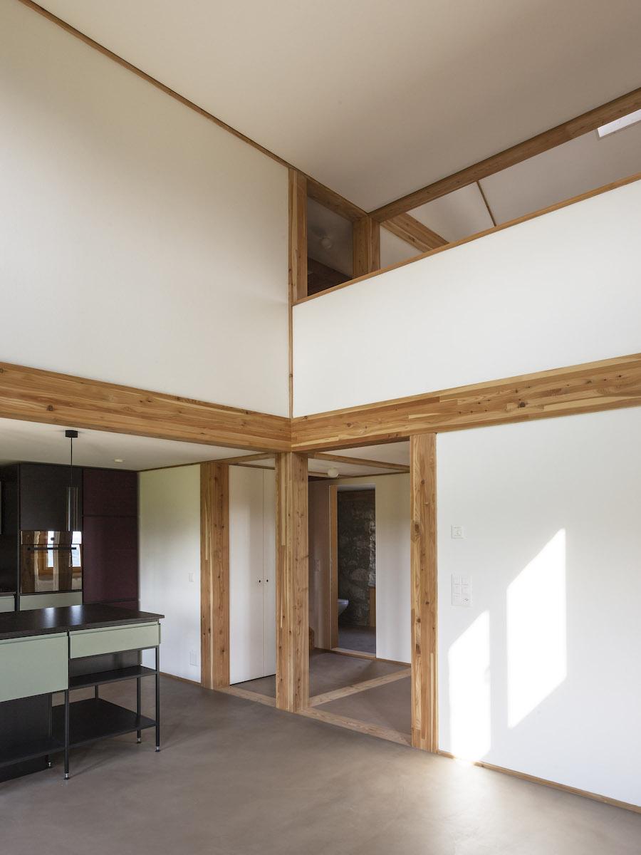 So entstehen im Bestandsbau mit seinen niedrigen Decken höhere Räume.