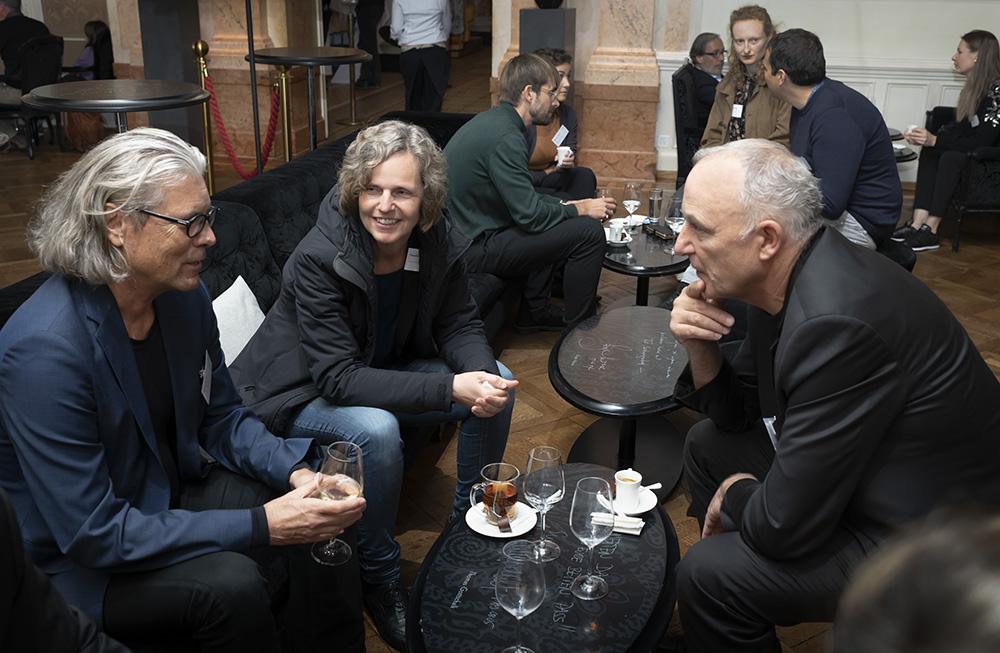 Intensive Gespräche in der Mittagspause (v.l.n.r. Georg Pendl, Präsident ACE, Claudia Schwafelberg, SIA und Lorenz Bräker, CSA).