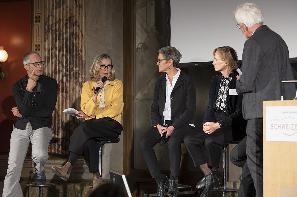 Die Schlussrunde: Laurent Guidetti, Ariane Widmer,, Christine Bräm und Katrin Gügler im Gespräch mit Daniel Kurz.